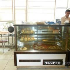 Boru Ayaklı Pasta Tipi Buzdolabı Teşhir Dolabı